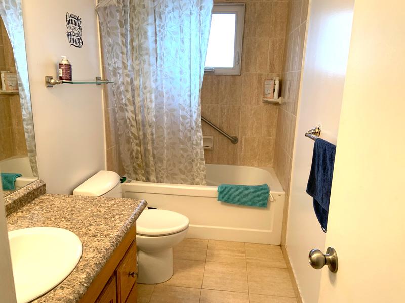 260 Cook Street – Upper, Bathroom