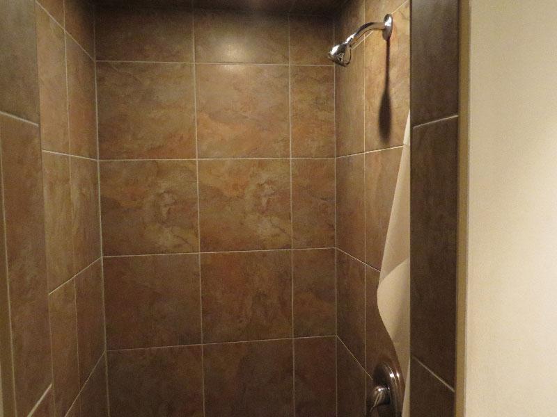 3 West Gate - Lower, Bathroom