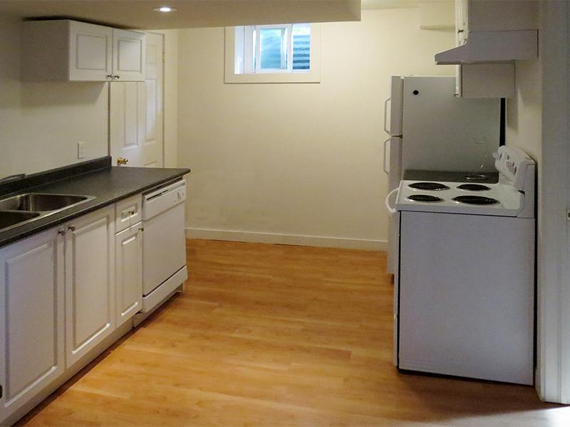 3 West Gate - Lower, Kitchen