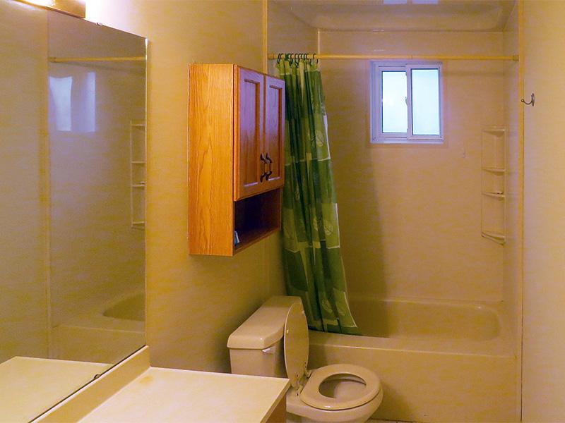 60 College Crescent - Upper, Bathroom