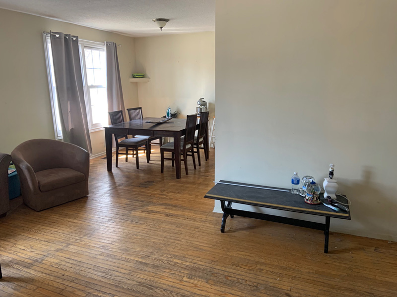 81 College Street - Upper, Living/Dining Room